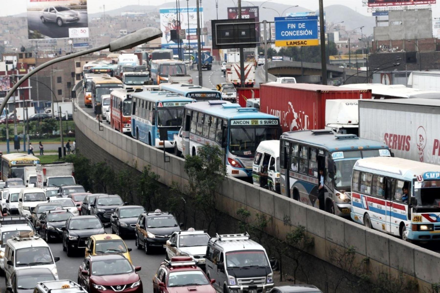 Congestión vehicular en Lima. Foto: ANDINA/Difusión.