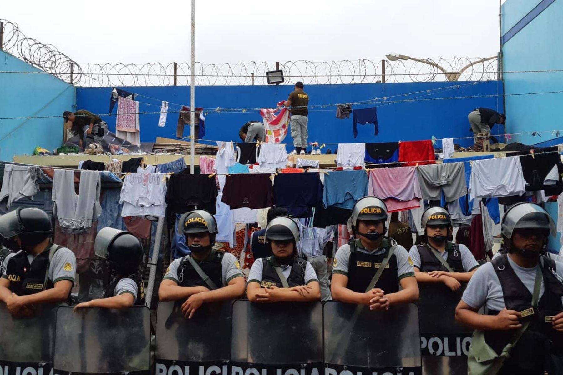 En requisa ejecutada en el penal Cambio Puente de Chimbote (Áncash), autoridades encontraron taladro y sierra metálica, entre otros objetos prohibidos.