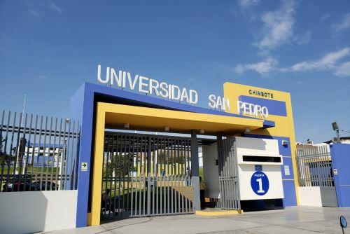 La Universidad San Pedro atiende a más de 19,000 estudiantes en su sede principal ubicada en la ciudad de Chimbote (Áncash) y cuatro filiales autorizadas.