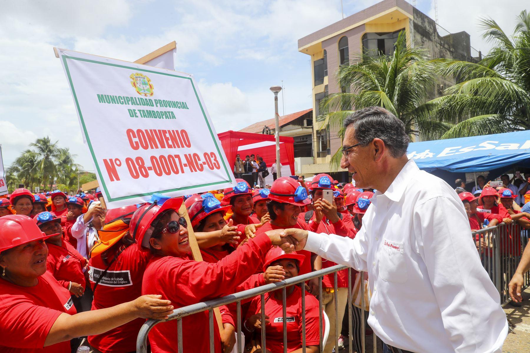 En Madre de Dios, el Jefe de Estado participa en la ceremonia de inicio de obras de proyectos de infraestructura básica del programa Trabaja Perú. Foto: ANDINA/ Prensa Presidencia