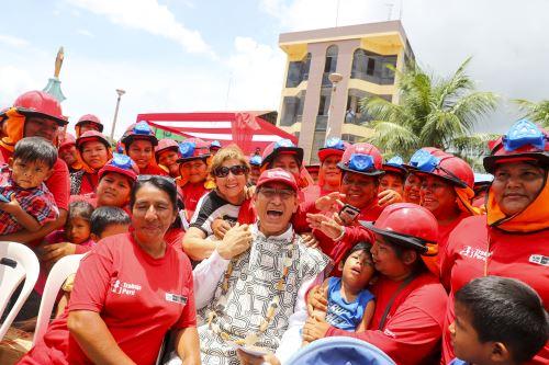 Ceremonia de inicio de obras de proyectos de infraestructura básica del programa Trabaja Perú en Madre de Dios