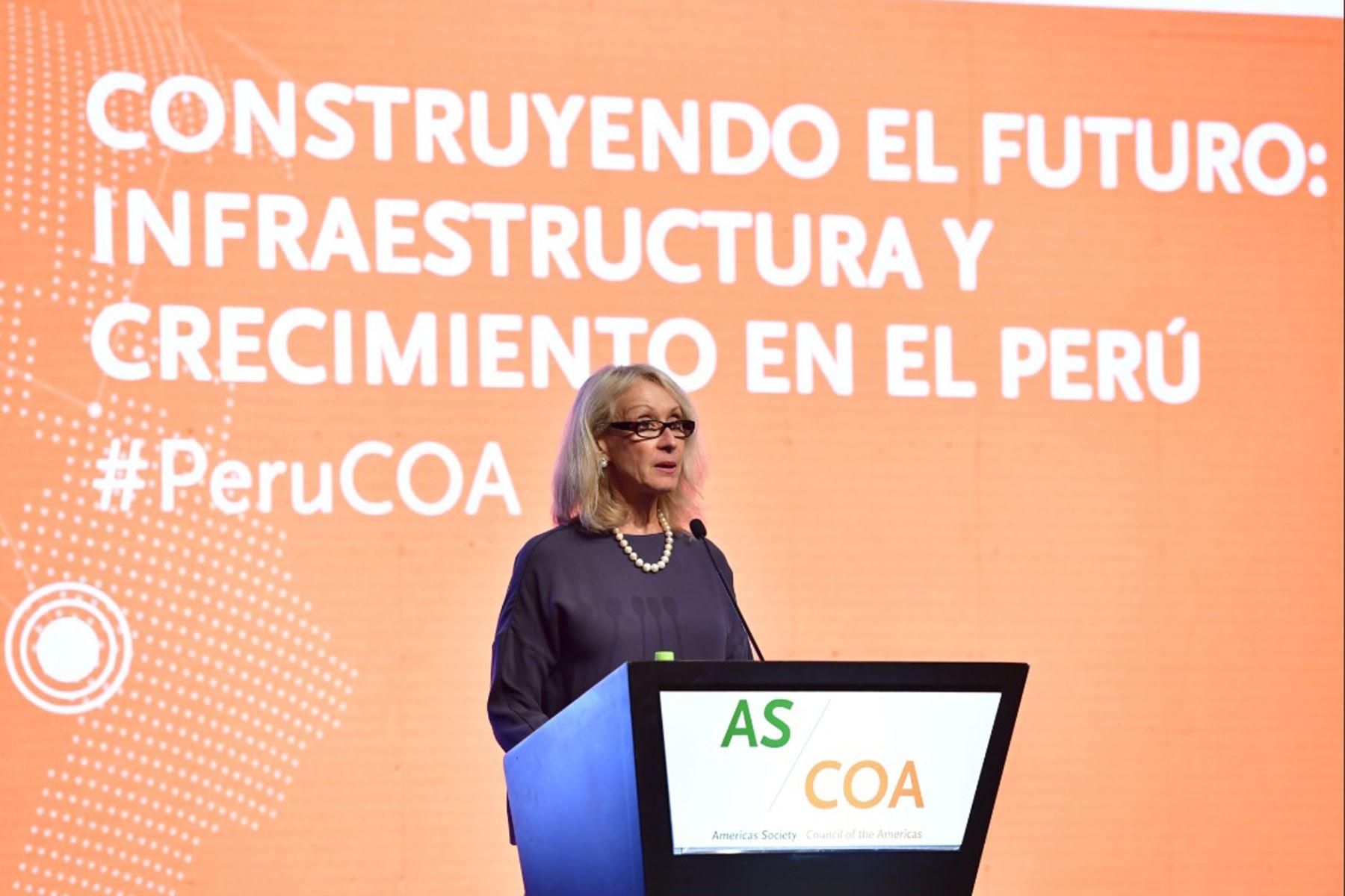"""Vicepresidenta de Americas Society & Council of the Americas(AS/COA), Randy Melzi, participa en la conferencia : """" construyendo el Futuro Infraestructura y crecimiento en el Perú """". Foto: Cancillería del Perú"""