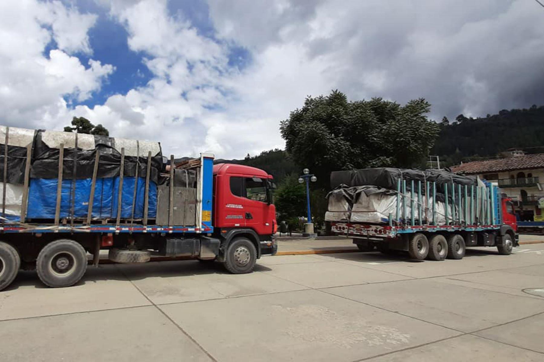 Doce vehículos pesados movilizaron la ayuda humanitaria para las familias afectadas en la provincia de Pomabamba, región Áncash.