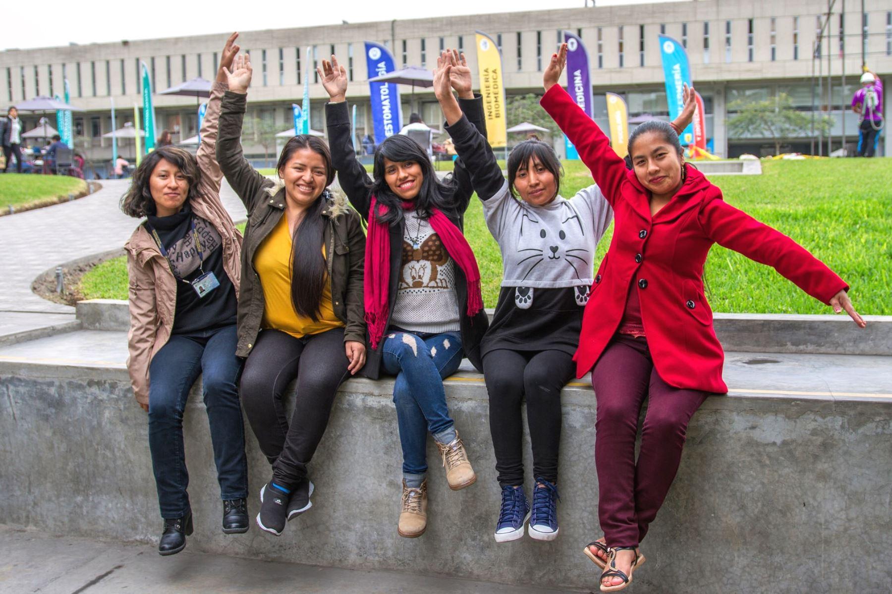 Beca 18: más del 60% de inscritos para el Examen Nacional son mujeres. Foto: ANDINA/Difusión.