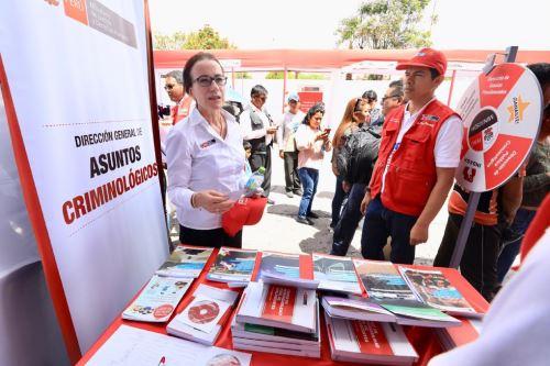 """Ministra de Justicia, Ana Teresa Revilla en Ayacucho durante la """"Caravana de la Justicia"""". Foto: Difusión."""