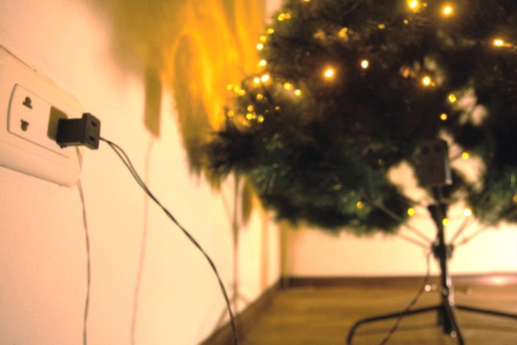 ¡Alerta! Celebra la Navidad evitando riesgos con la electricidad. Foto: ANDINA/Difusión.