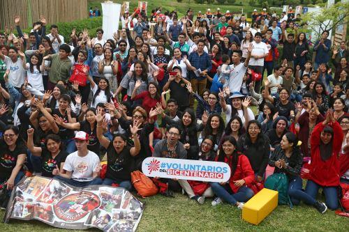 En el marco de las celebraciones por el Día Internacional del Voluntariado, se realiza la primera Festival de Voluntariados del Bicentenario.