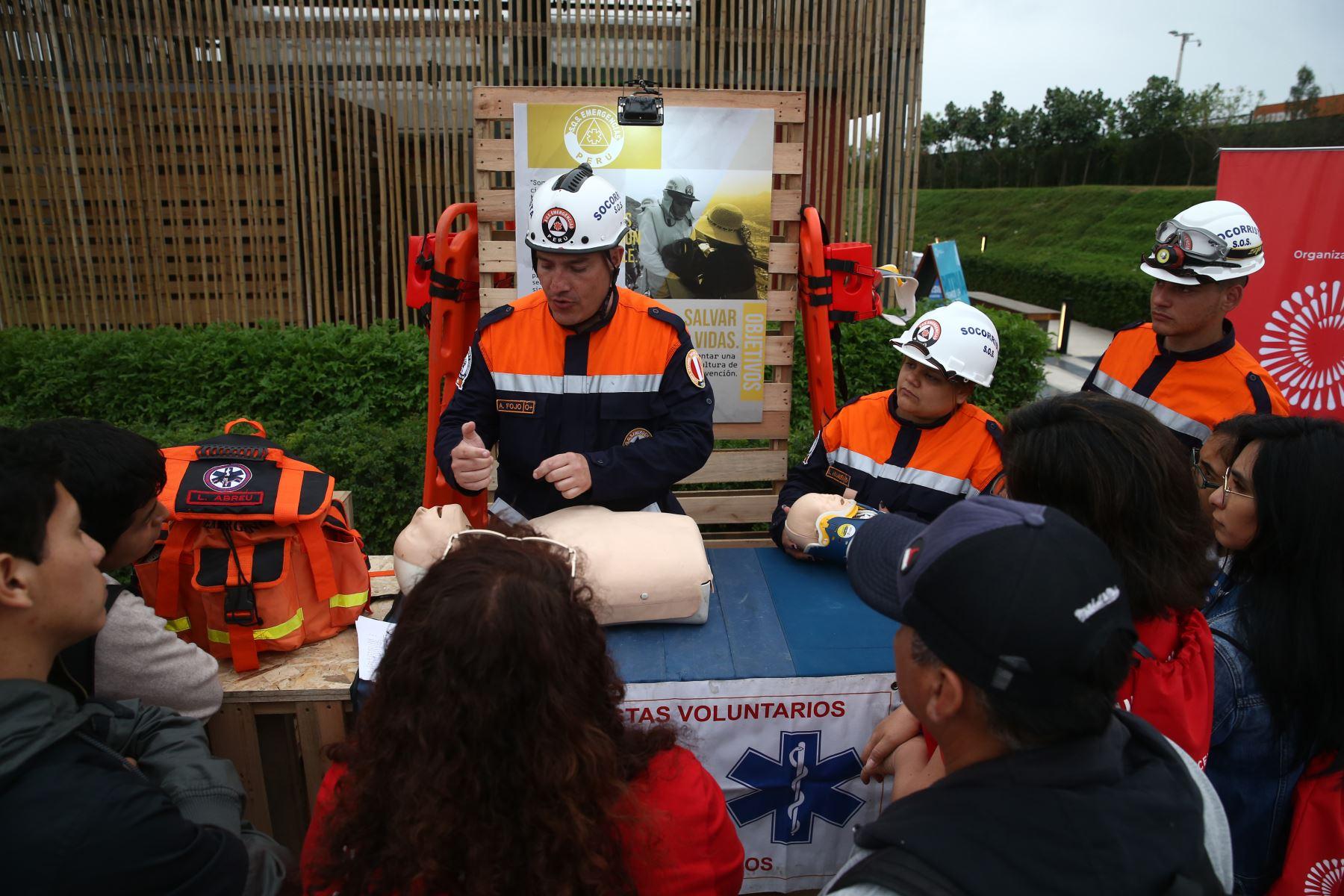 En el marco de las celebraciones por el Día Internacional del Voluntariado, se realiza la primera Festival de Voluntariados del Bicentenario , en el parque Ecológico Voces por el Clima, en Santiago de Surco. Foto: ANDINA/Vidal Tarqui