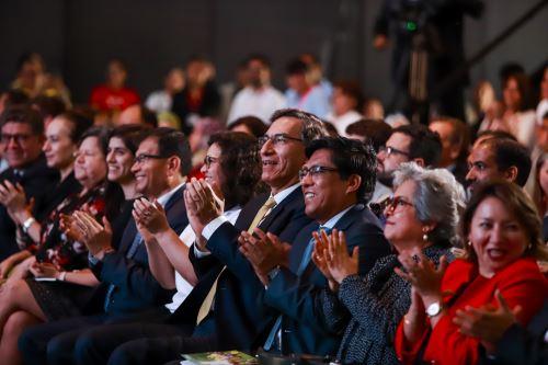 """Presidente Vizcarra participó en la feria multisectorial """"Mundo de ilusiones"""""""
