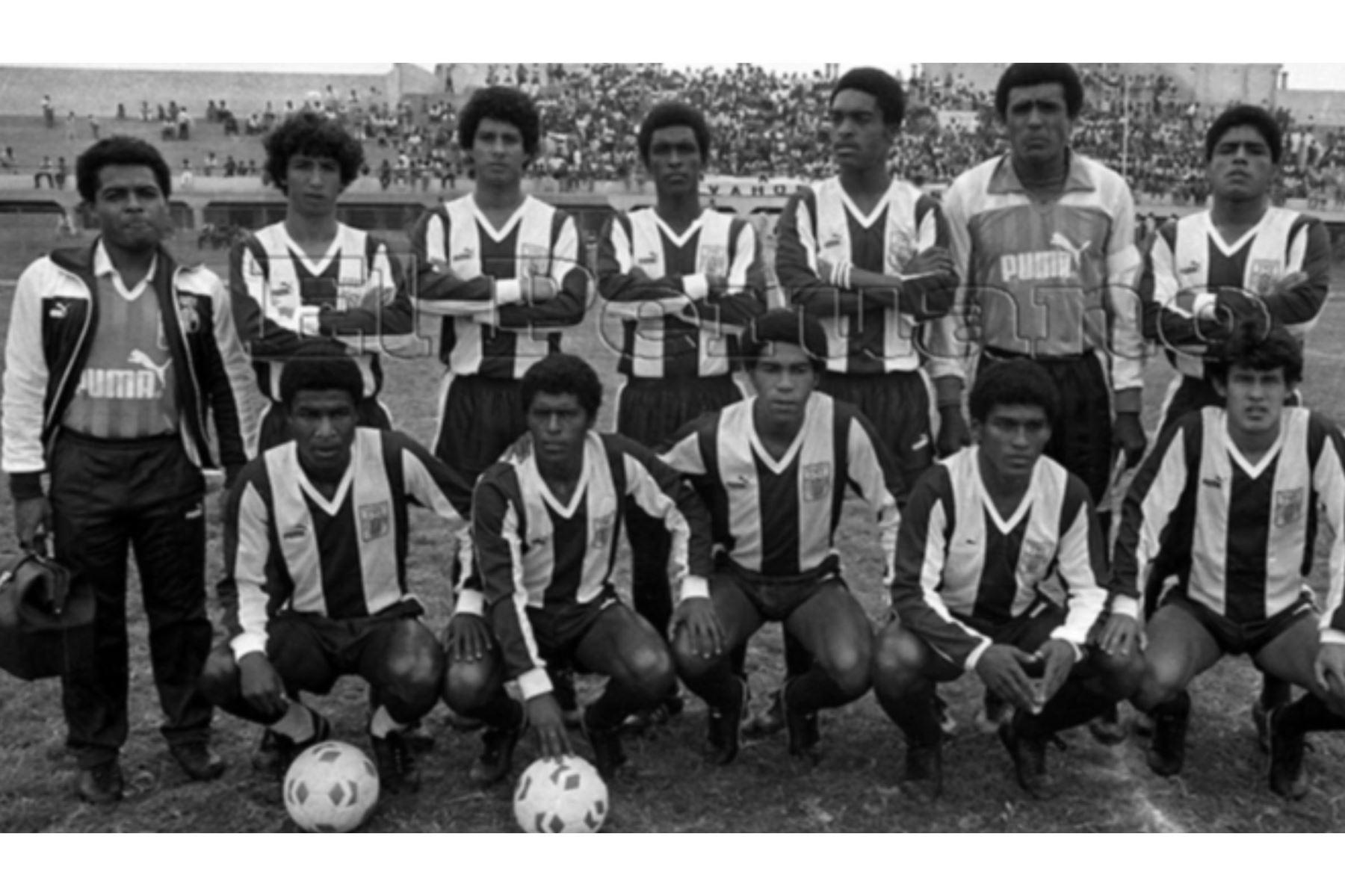 Diciembre 1987 /  jugadores de Alianza Lima víctimas de la tragedia  que enlutó al futbol peruano tras la caída del avión fokker al mar de Ventanilla.  Foto: ARCHIVO HISTORICO DE EL PERUANO