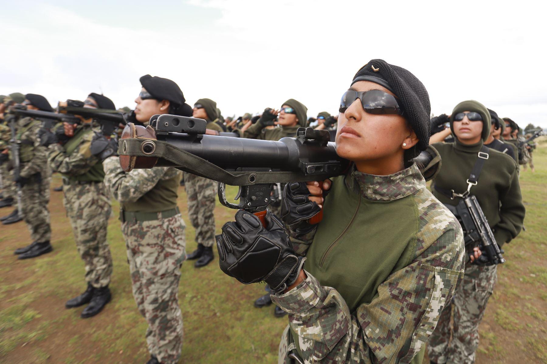 Presidente de la República, Martín Vizcarra participa en la  conmemoración  del 195.° aniversario de la Batalla de Ayacucho en Pampa de la Quinua , en Ayacucho. Foto: ANDINA/Prensa Presidencia