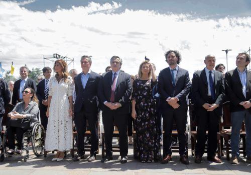 El presidente saliente argentino, Mauricio Macri, y el electo, Alberto Fernández, asistieron a misa por la unidad y la paz, con motivo de la Fiesta de la Inmaculada Concepción. Foto: AFP