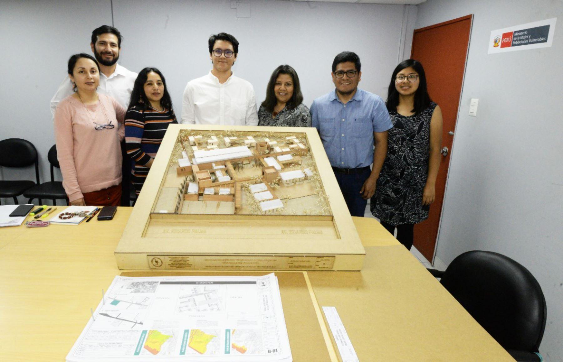 Estudiantes de Arquitectura de Trujillo diseñan modelo de hogar de refugio temporal. Foto: ANDINA/Difusión.