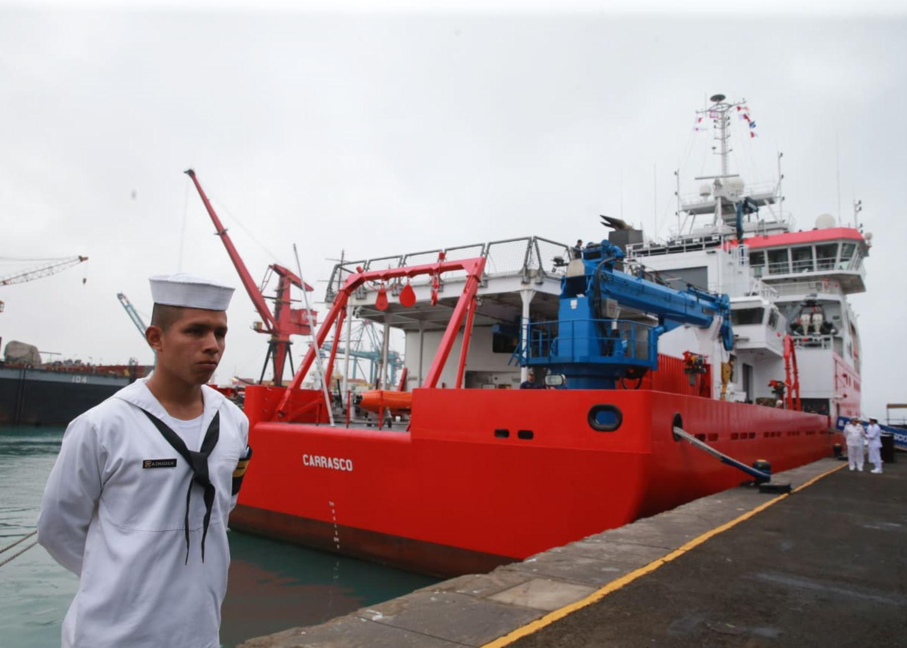 BAP Carrasco zarpó rumbo a la Antártida.