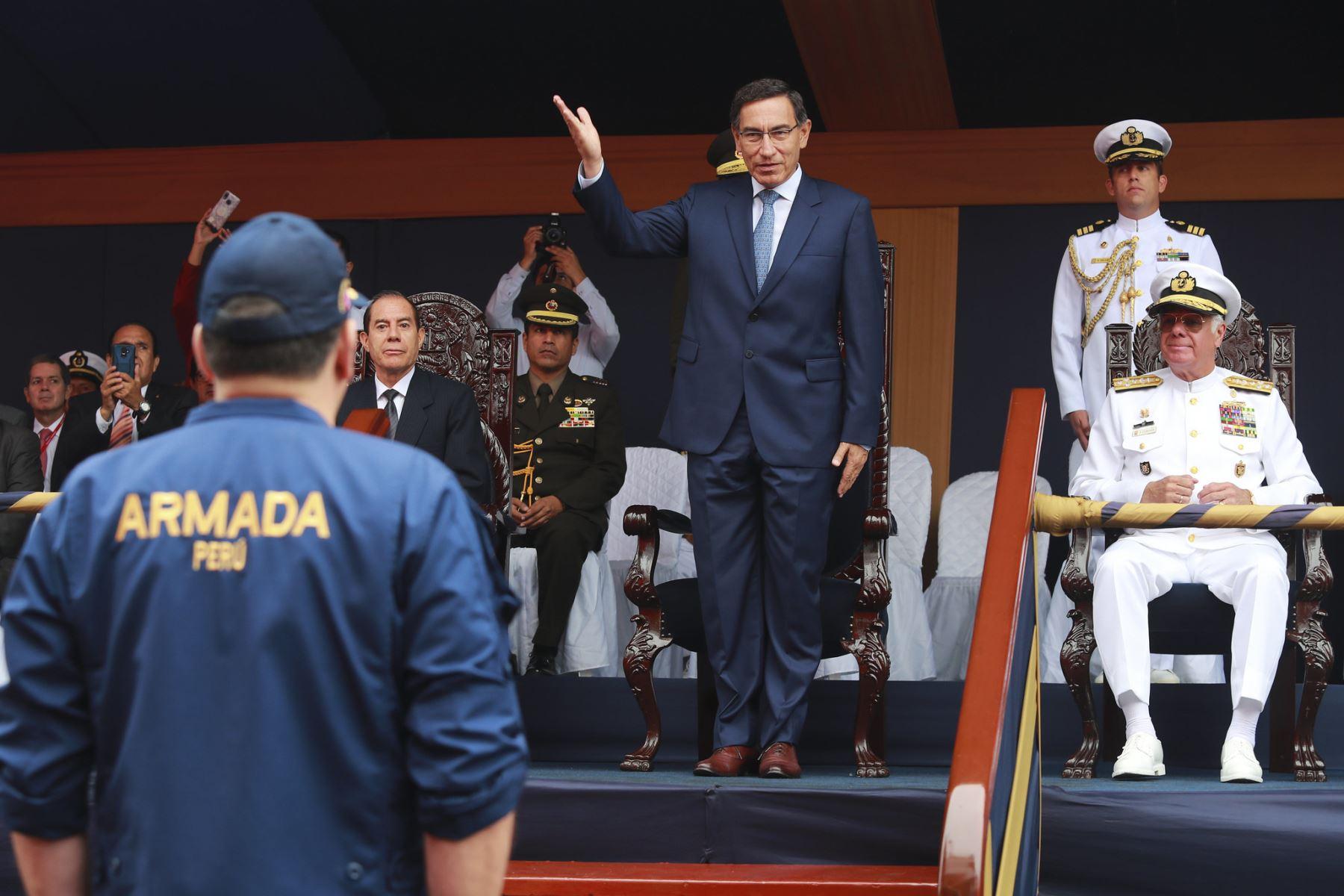 El Presidente de la república Martin Vizcarra, asiste a la ceremonia del zarpe del Buque Oceanográfico B.A.P. Carrasco a la Antártida. Foto: ANDINA/ Prensa Presidencia