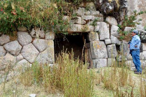 Piedra de 20 ángulos asombra a turistas en Cusco