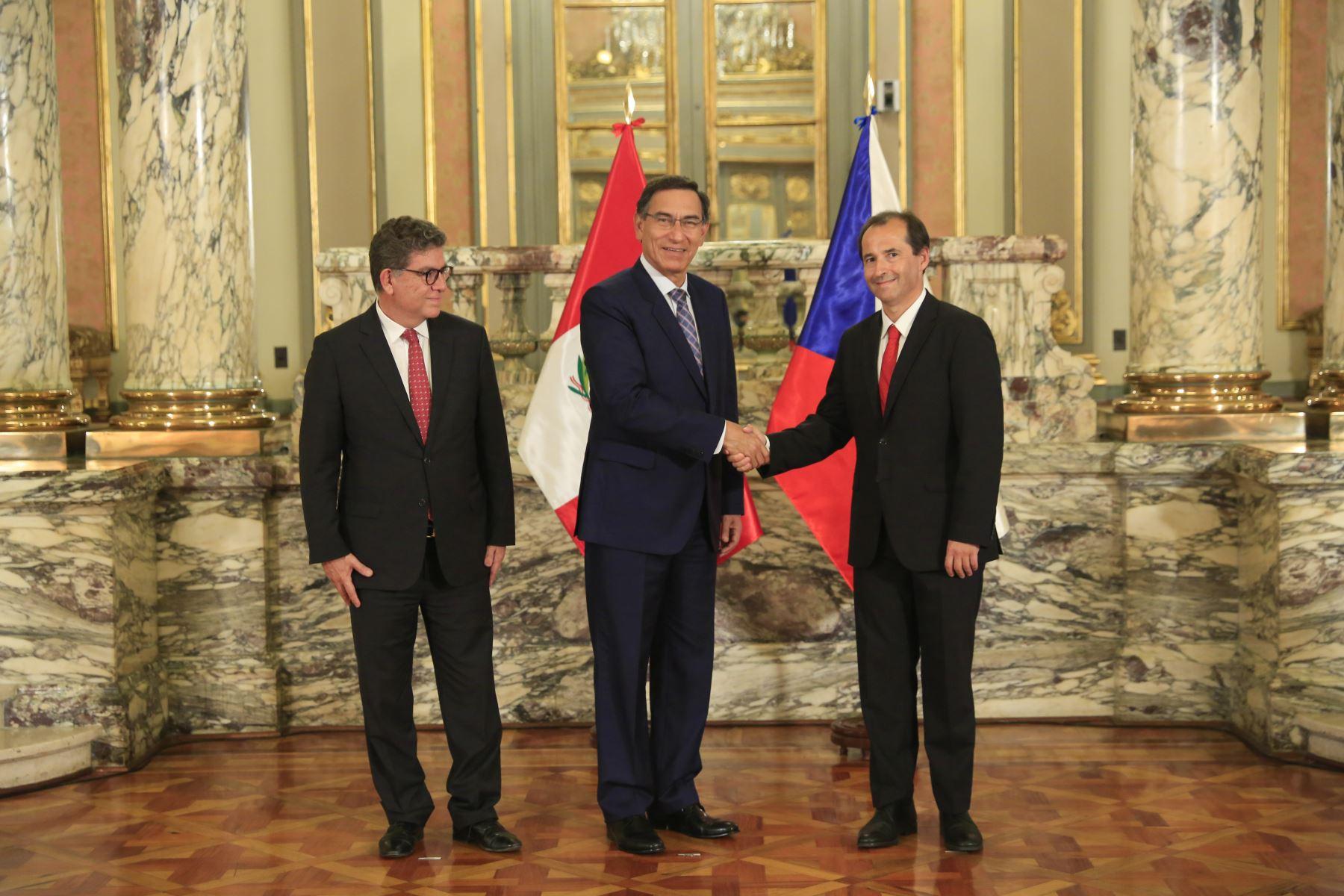 Presidente  Martin Vizcarra recibe carta credencial de nuevo embajador de República Checa, Michal Sedláèek. Foto: ANDINA/Prensa Presidencia