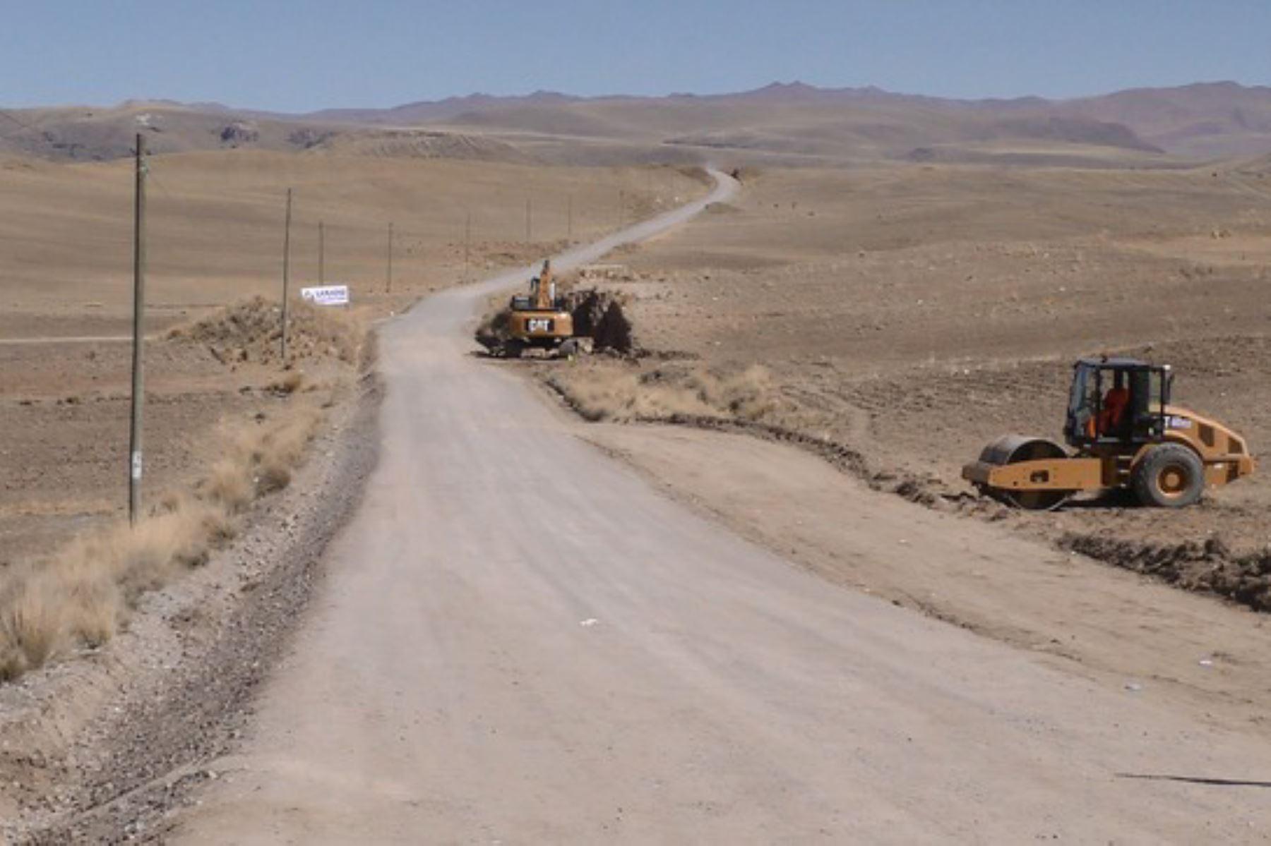 La carretera Checca-Mazocruz, de 72 kilómetros, permitirá la conexión de las regiones de Tacna, Moquegua y Puno.