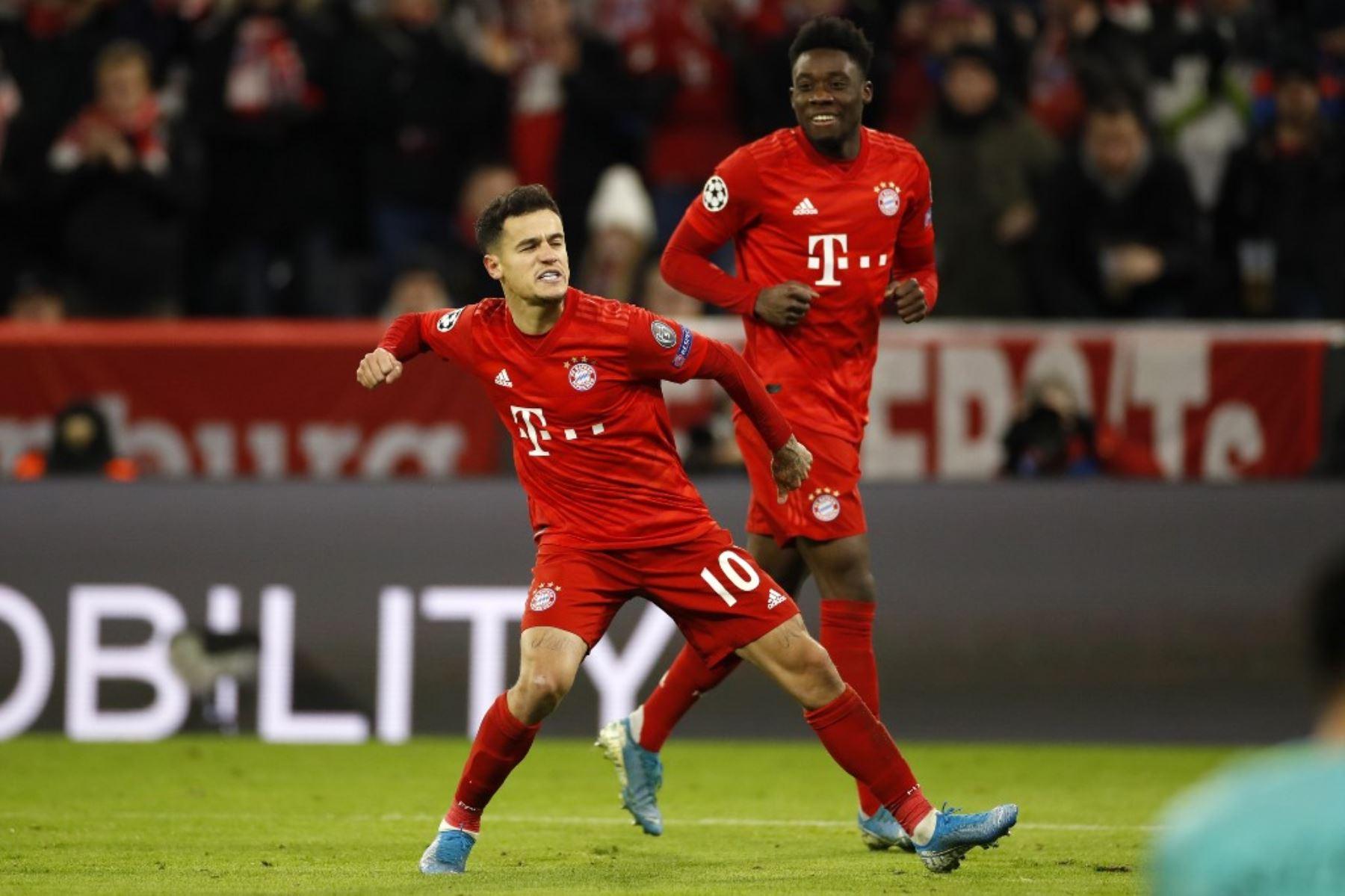 Philippe Coutinho celebra uno de los goles del Bayern Múnich