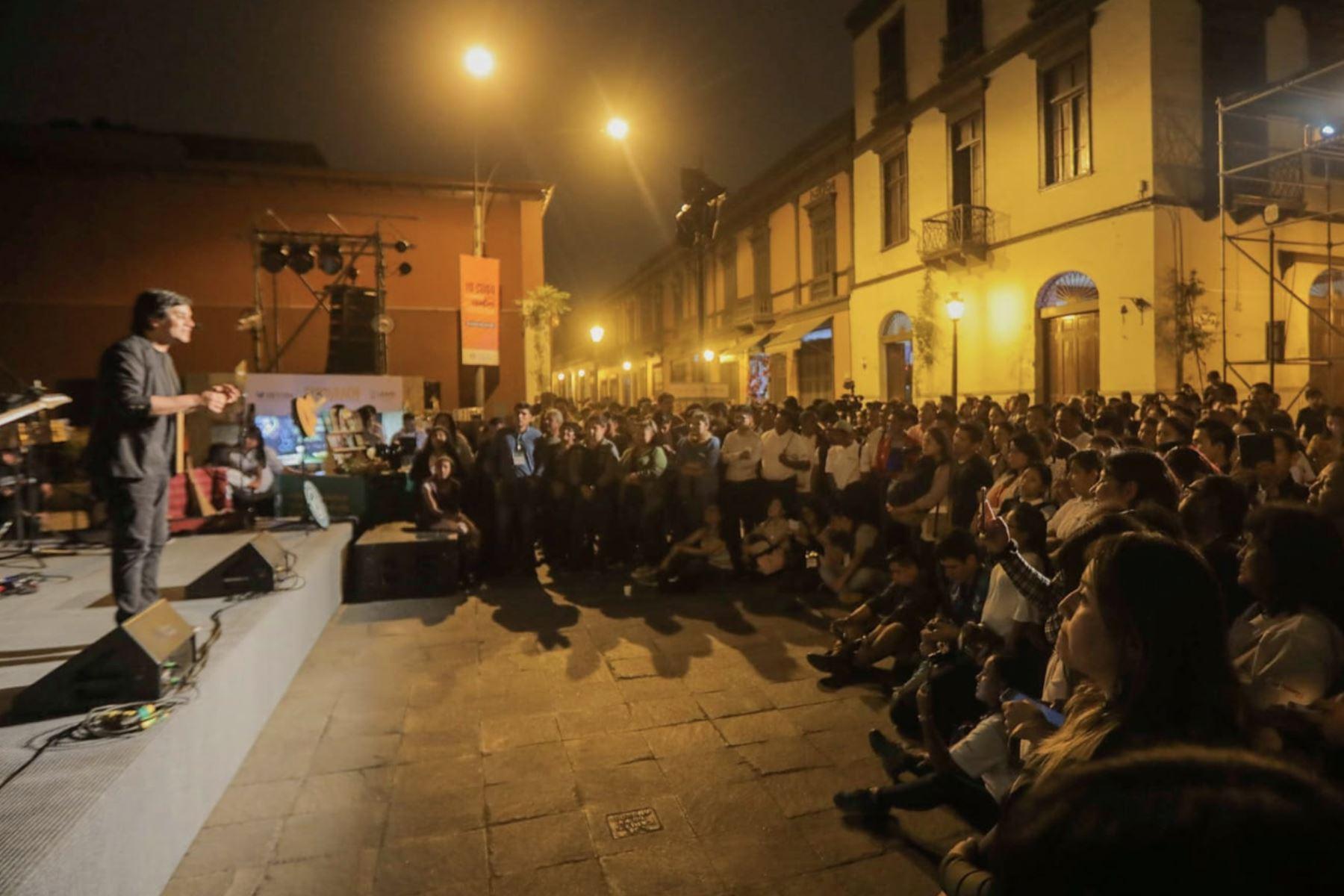 """Lima disfrutó de """"La Noche del Vraem"""" con música, danza y degustación de café y cacao. El evento fue organizado por la Comisión Nacional para el Desarrollo y Vida sin Drogas (Devida), en el marco de las actividades previas a la inauguración de la Expovraem 2019 Foto: DEVIDA"""
