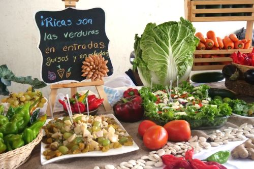 Cena navideña: prepara ensaladas y aderezos a bajo costo. Foto: ANDINA/Difusión.