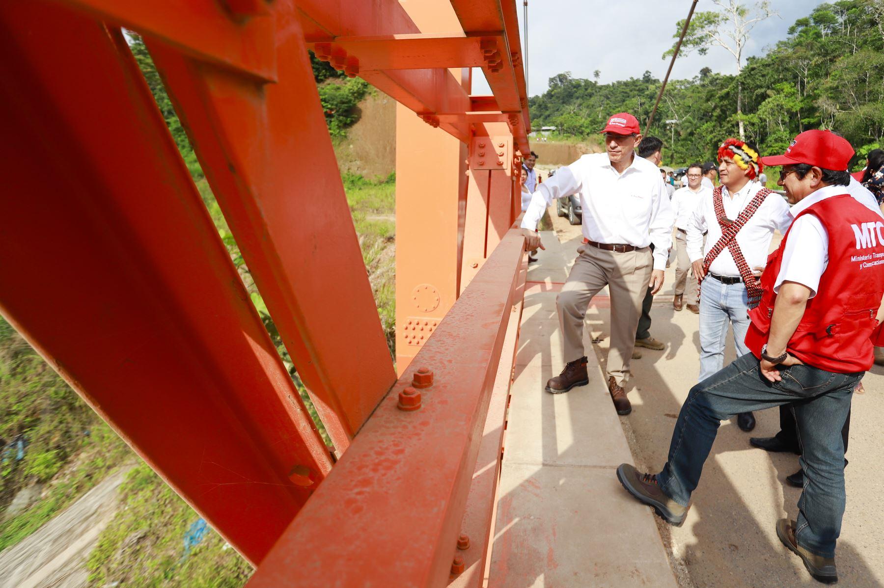 El presidente Martín Vizcarra participa en la ceremonia de inauguración de la carretera Tingo - Estación de Embarque Teleférico de Kuelap, en la región Amazonas. Foto: ANDINA/ Prensa Presidencia