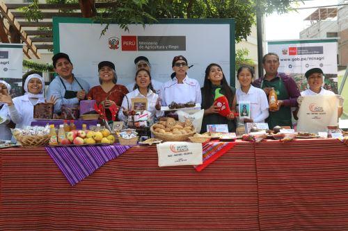 En el Perú la población tiene diversas opciones de cena navideña para celebrar la Nochebuena.