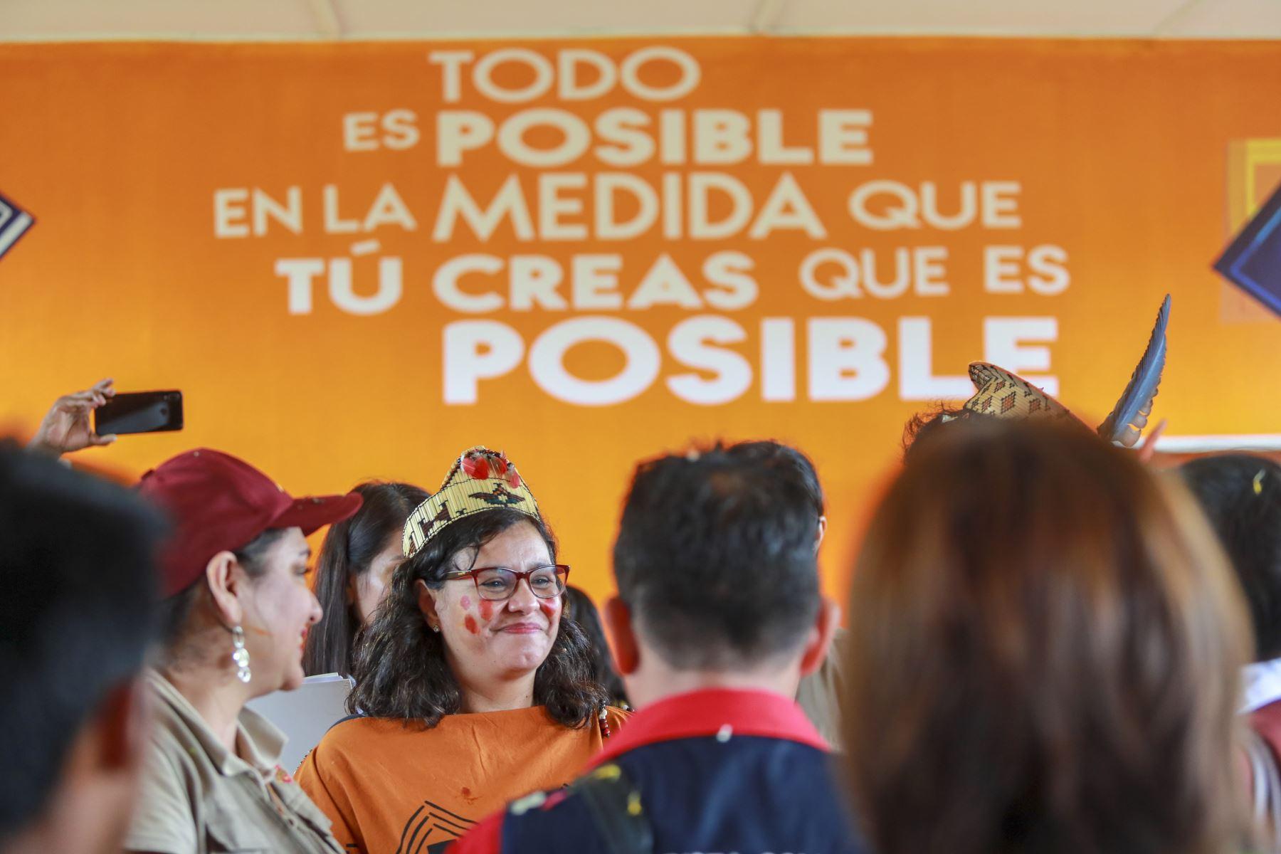 Primera Dama, Maribel Díaz, también visitó la Aldea Niño Beato Junipero Serra, donde viven menores de las comunidades indígenas rescatados de las zonas más afectadas por el narcotráfico y el terrorismo. Foto: ANDINA/ Prensa Presidencia