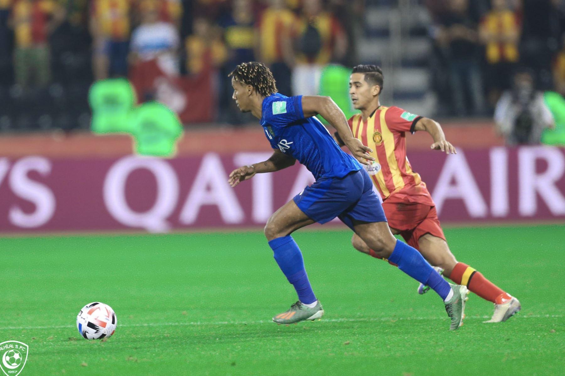 Al-Hilal derrotó por la mínima diferencia al Esperance de Tunis. El único gol del encuentro lo realizó Bafetimbi Gomis a pase de André Carrill. Foto: Twitter Al-Hilal