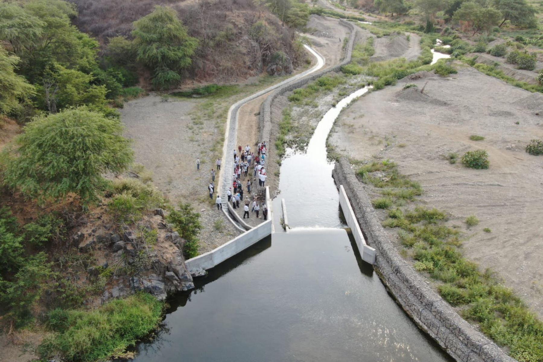 El Ministerio de Agricultura y Riego financiará el mantenimiento de más de 16,000 kilómetros de canales de riego y drenes en 22 regiones. ANDINA/Difusión