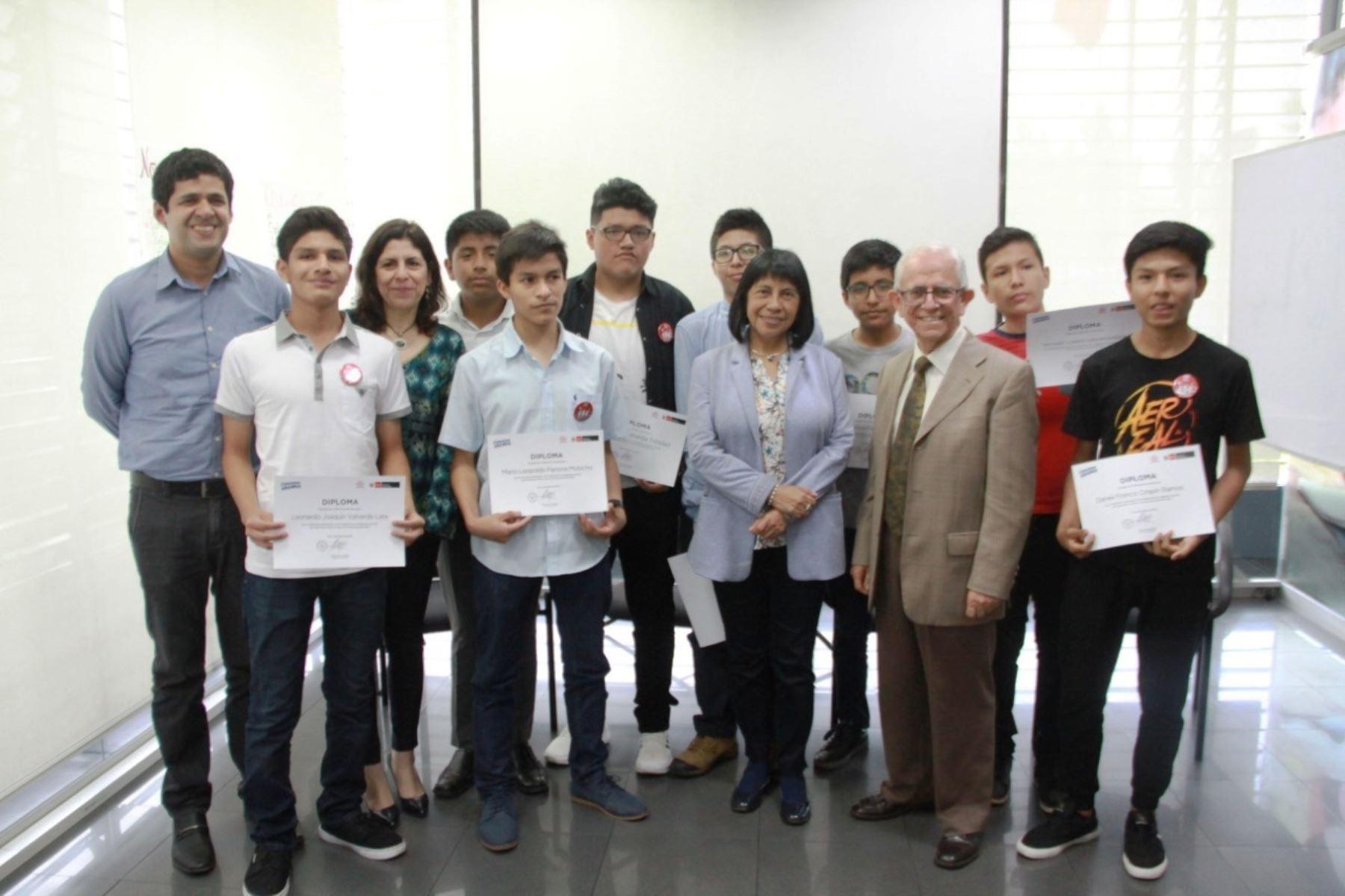 Escolares peruanos ganan medallas en olimpiada internacional de matemática. Foto: ANDINA/Difusión.