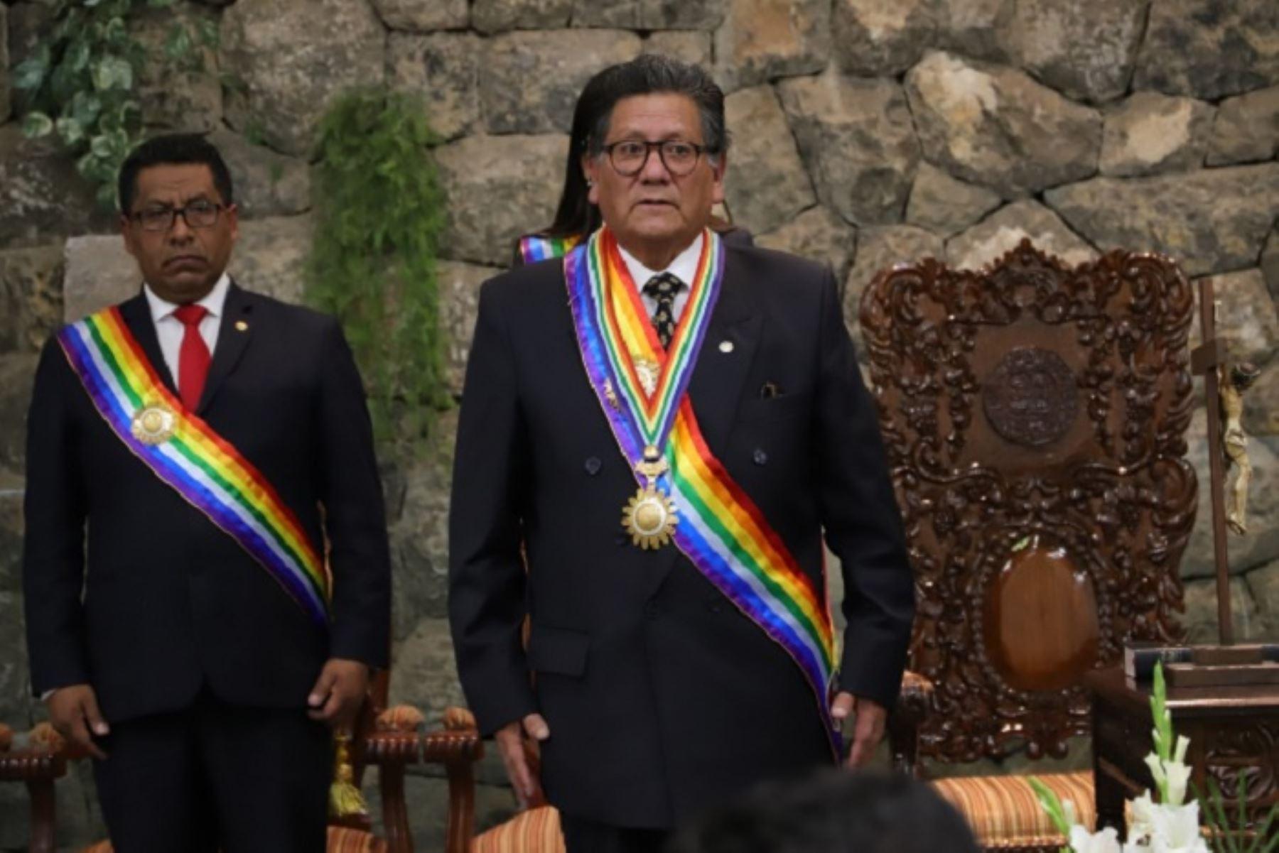 La ceremonia de juramentación del nuevo alcalde del Cusco, Ricardo Valderrama, se efectuó en el centro de convenciones de la municipalidad provincial.