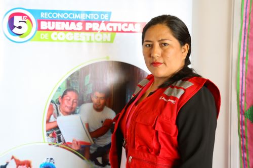 Keli Zevallos tiene 29 años, trabaja para los niños y niñas del pueblo originario de Kakataibo. ANDINA/Difusión