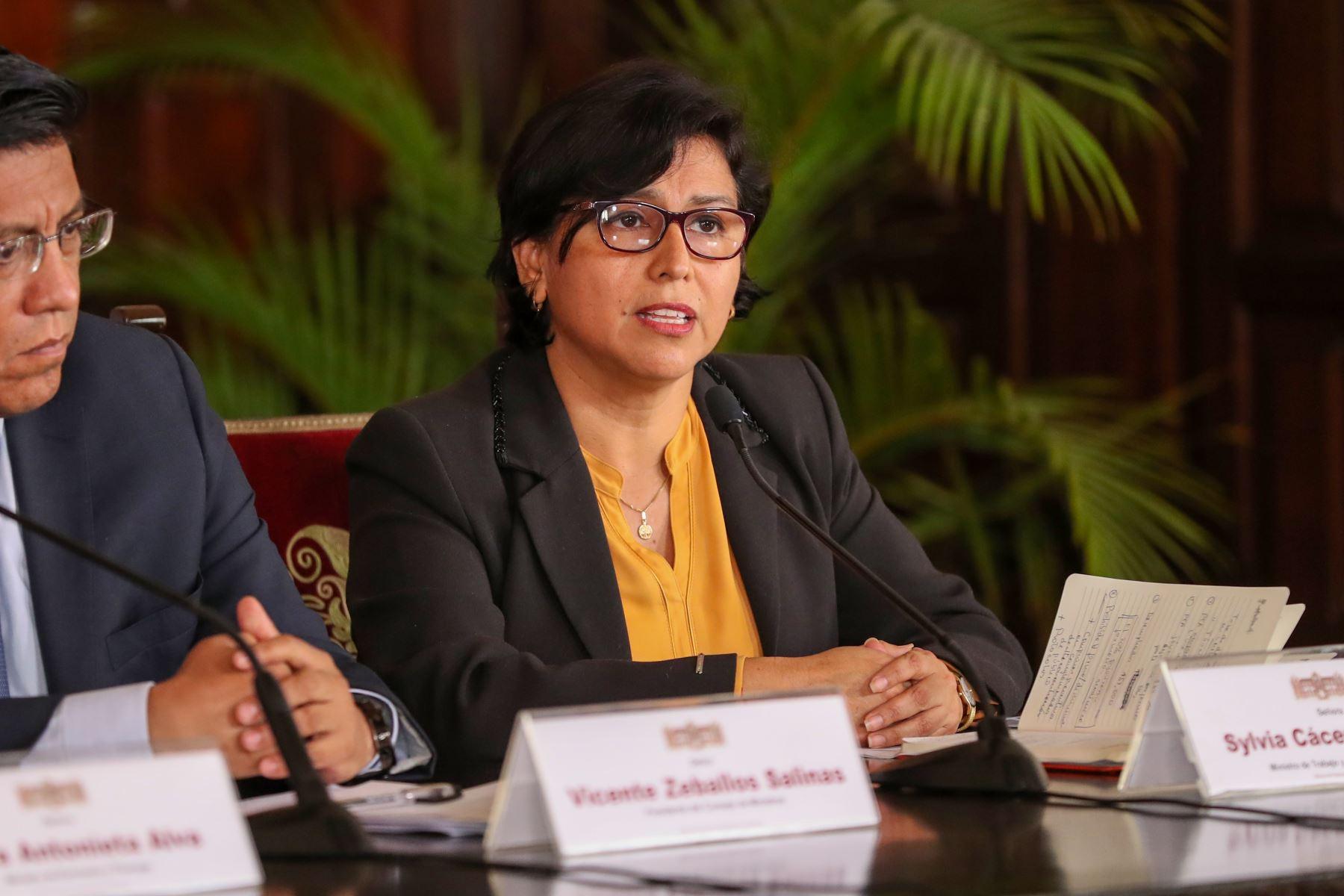 La ministra de Trabajo y Promoción del Empleo, Sylvia Cáceres, afirmó que la prioridad del Gobierno es garantizar la salud frente al coronavirus. ANDINA/Prensa Presidencia