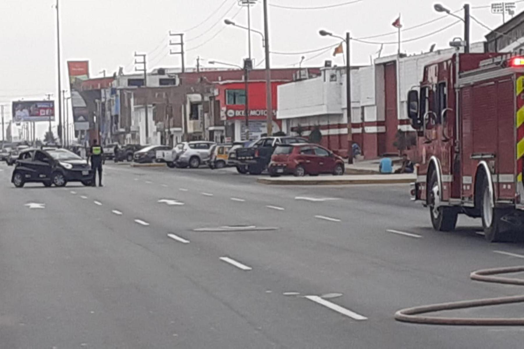 Alarma en Chimbote por la fuga de gas en grifo.