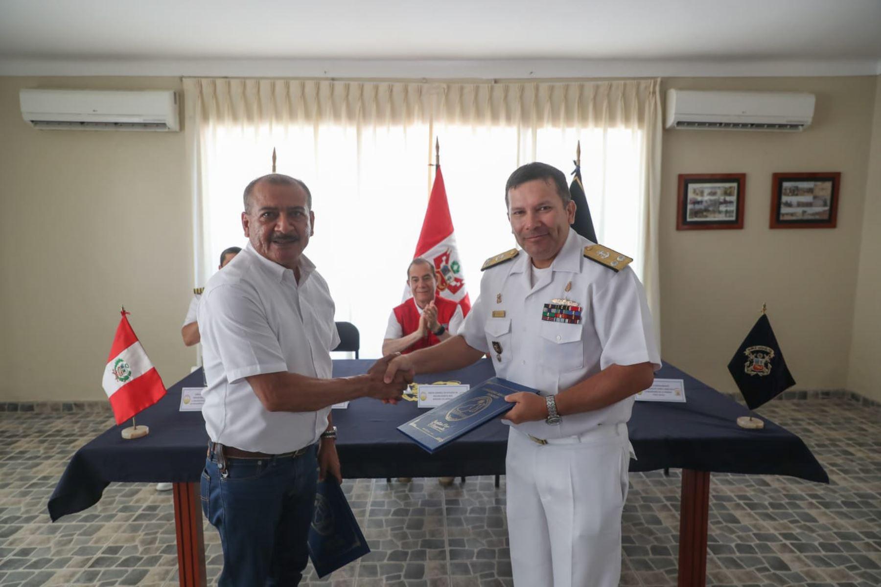 La Marina de Guerra y el Gobierno Regional de Tumbes suscribieron un convenio de cooperación interinstitucional.