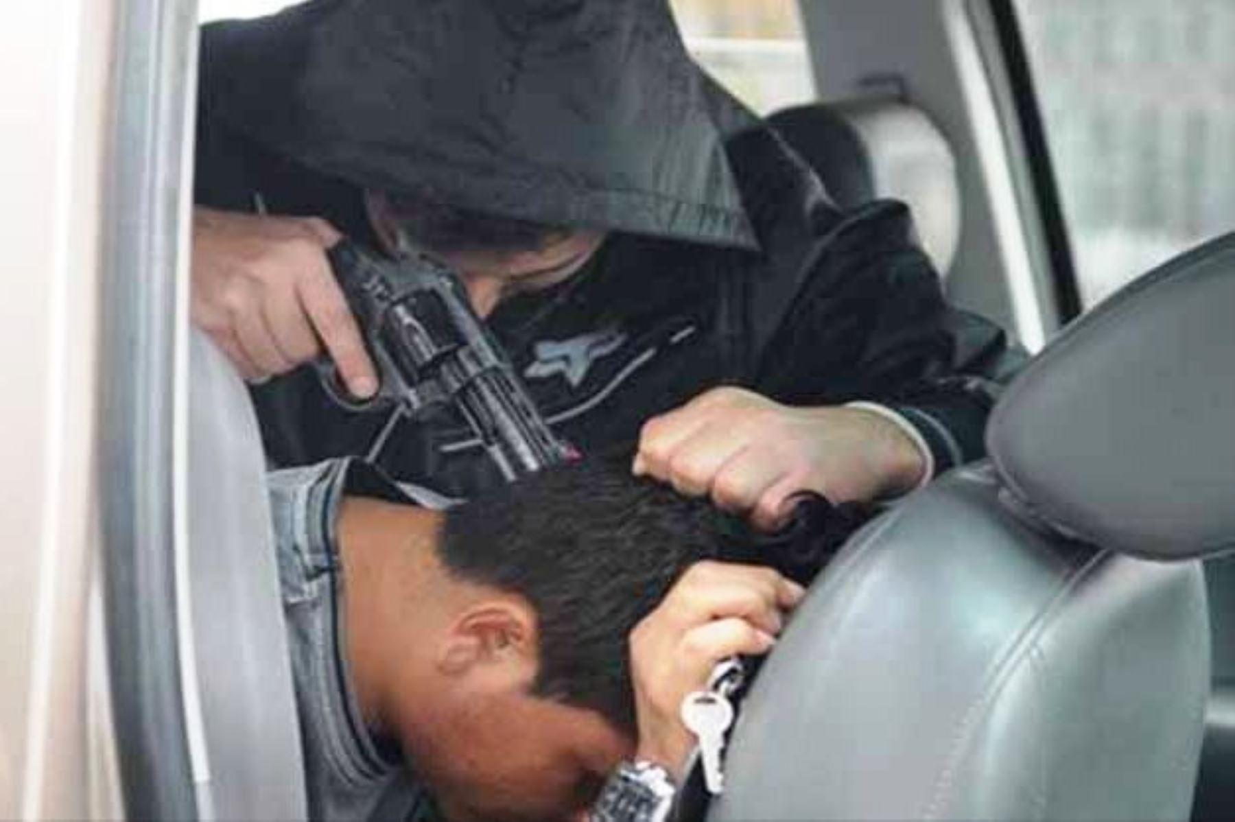 Sigue estos consejos de la Policía para evitar ser víctima de un secuestro al paso. Foto: ANDINA/Internet.