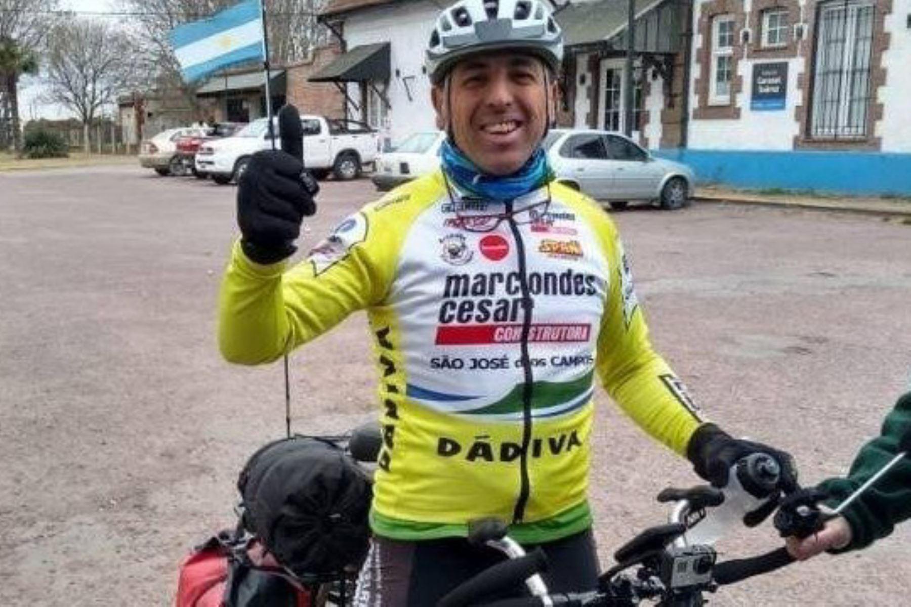 El suarense Darío Salotti partió de su ciudad natal el 8 de diciembre para pedalear 6,000 kilómetros en seis meses y llegar a Machu Picchu.