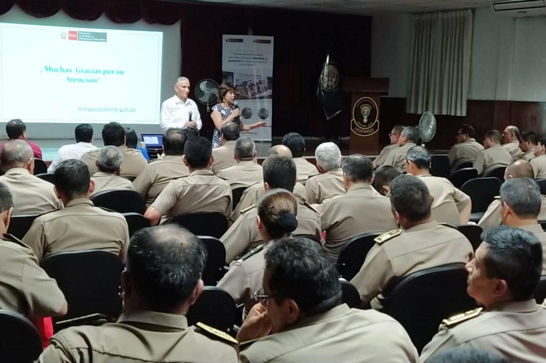 Violencia de género: cerca de 200 comisarios fortalecieron sus capacidades de atención . Foto: ANDINA/Difusión.
