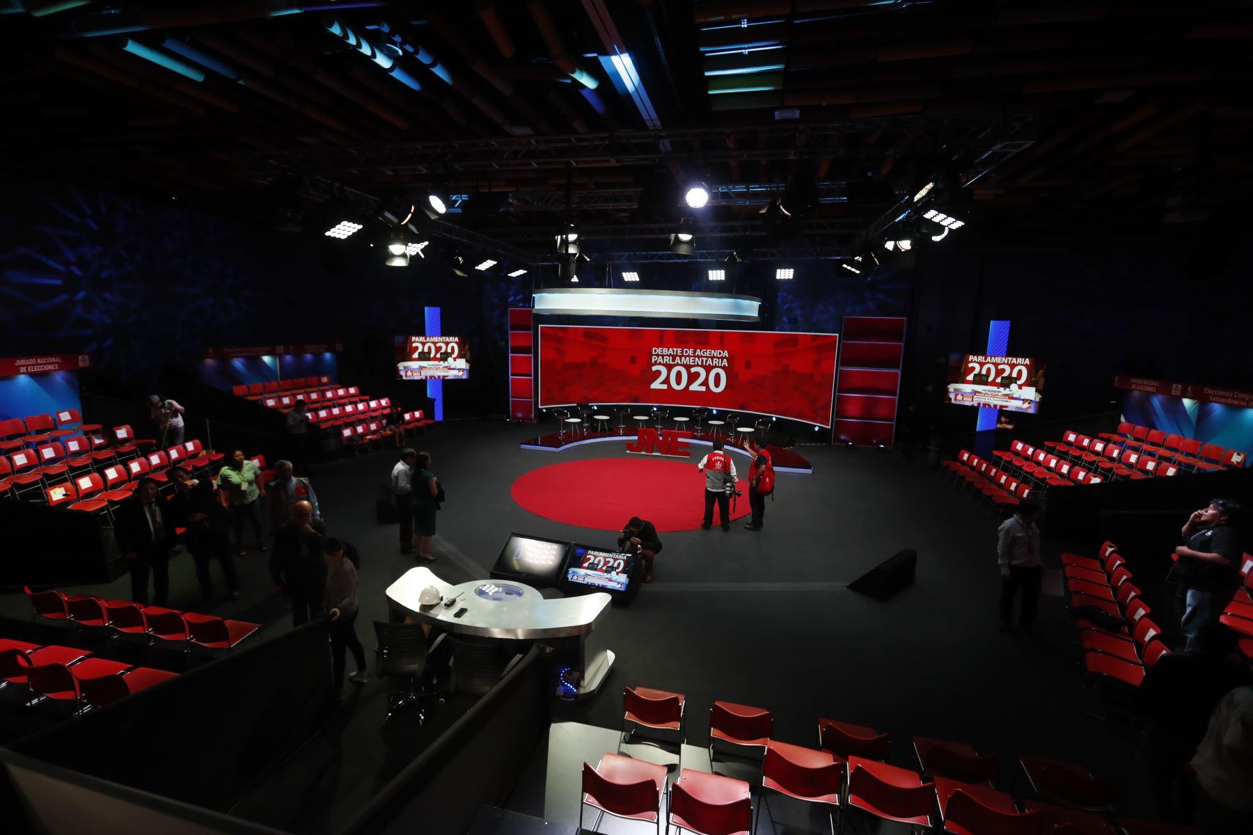 Elecciones 2020. Queda todo listo para iniciar debate de candidatos al Congreso. Foto: ANDINA/Renato Pajuelo
