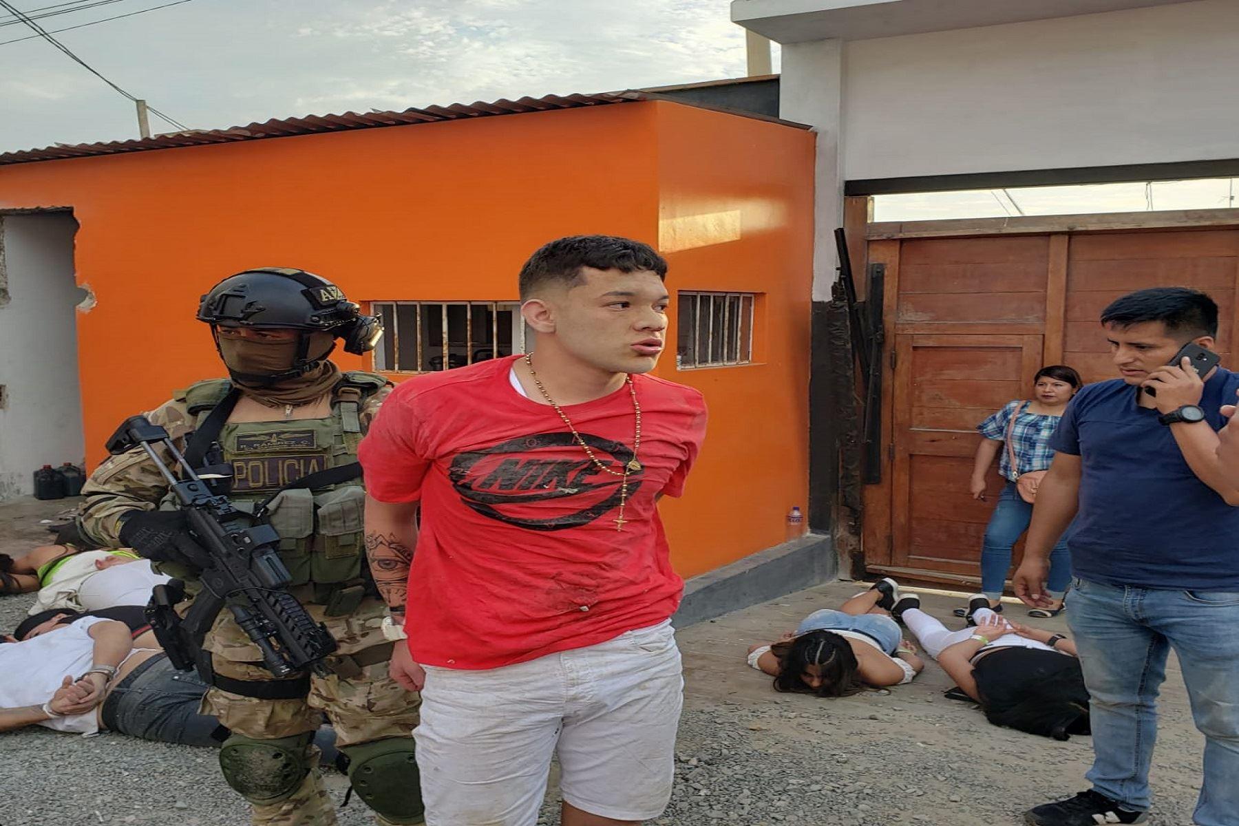 (VIDEO) PNP intervino a 124 presuntos criminales en hotel de Punta Negra