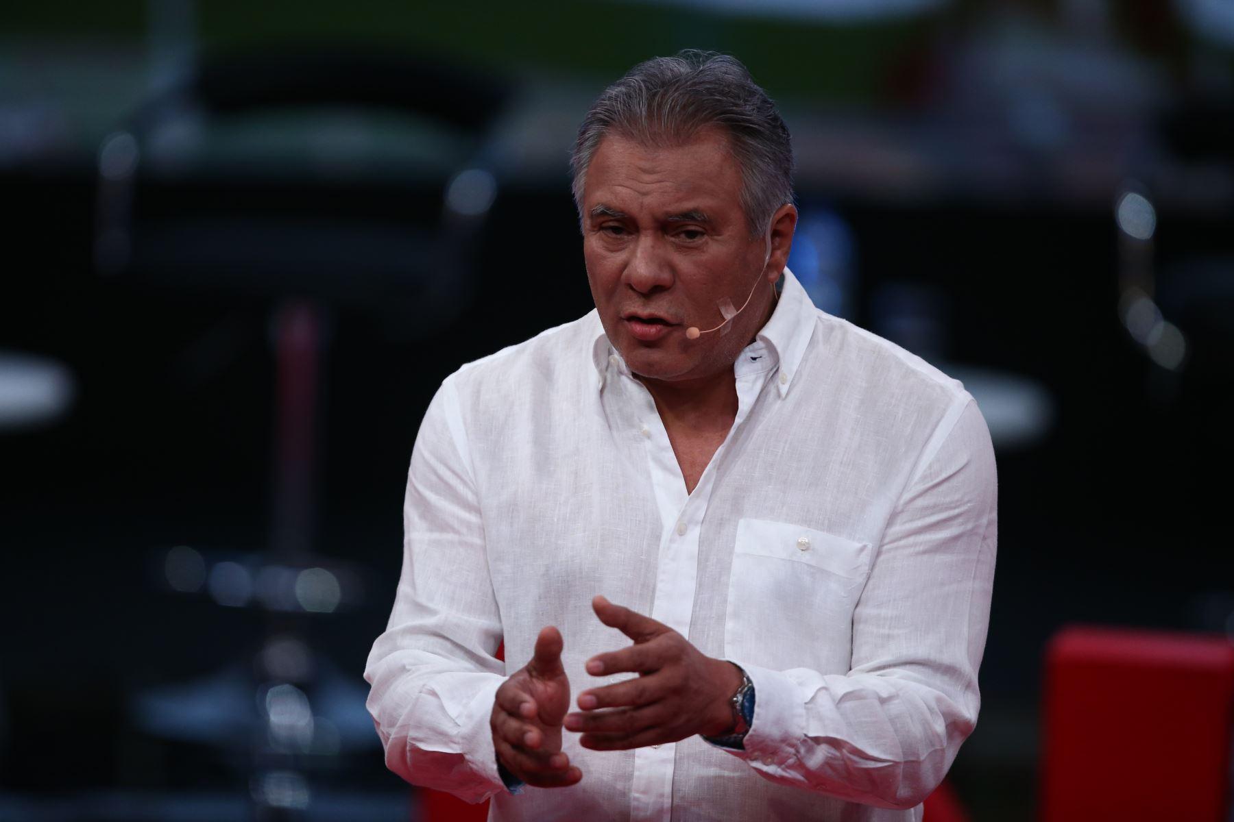 Luis Alberto Velarde de Acción Popular participa en debate. Foto: ANDINA/Tarqui Vidal