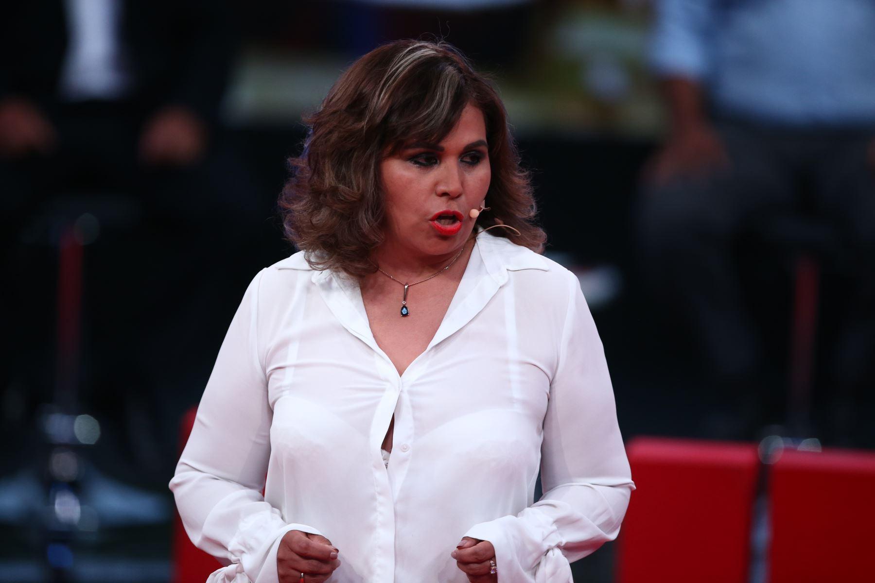 Maria Teresa Cabrera de Podemos Perú participa en debate. Foto: ANDINA/Tarqui Vidal