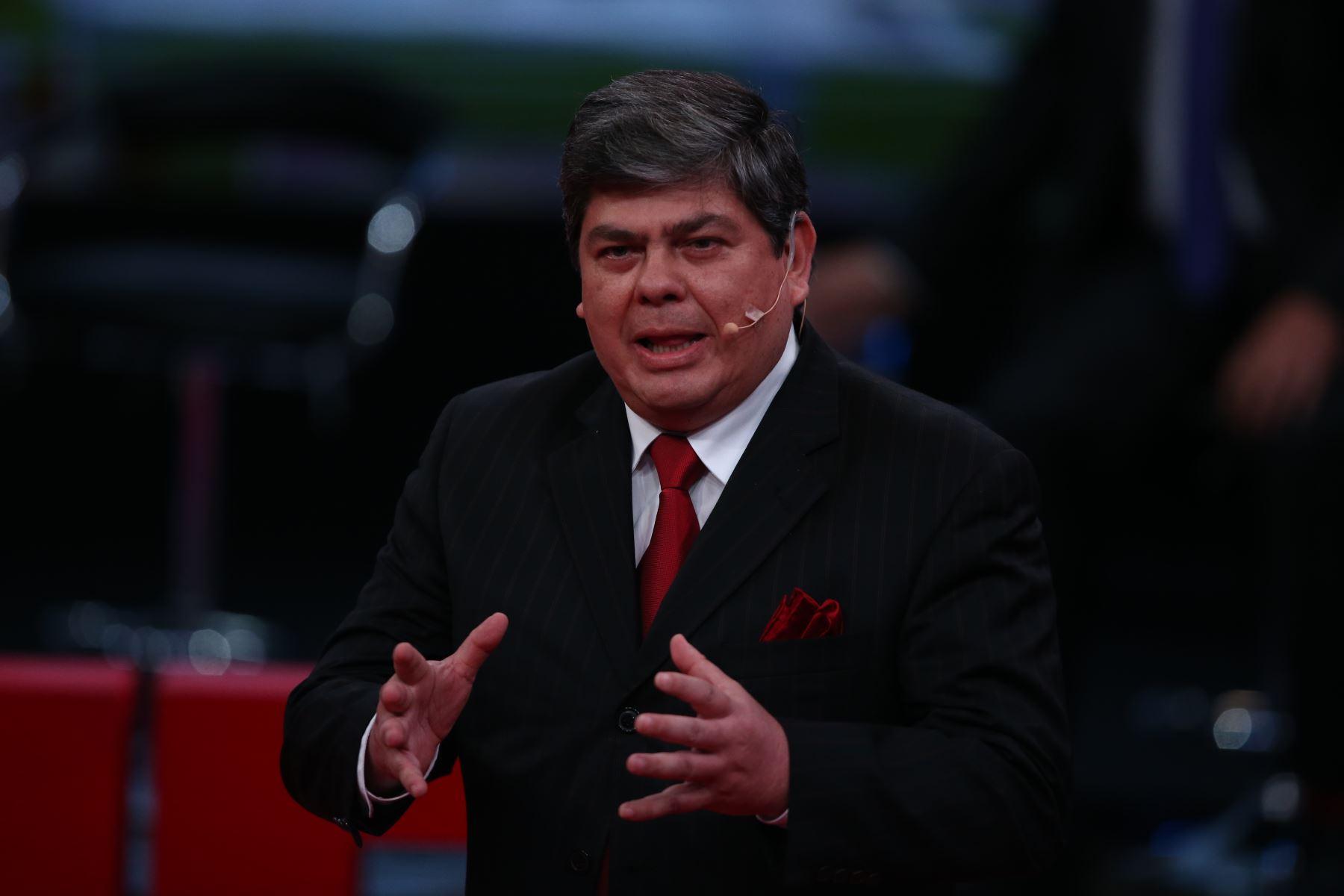 Carlos Torre Caro de Vamos Perú participa en debate. Foto: ANDINA/Vidal Tarqui