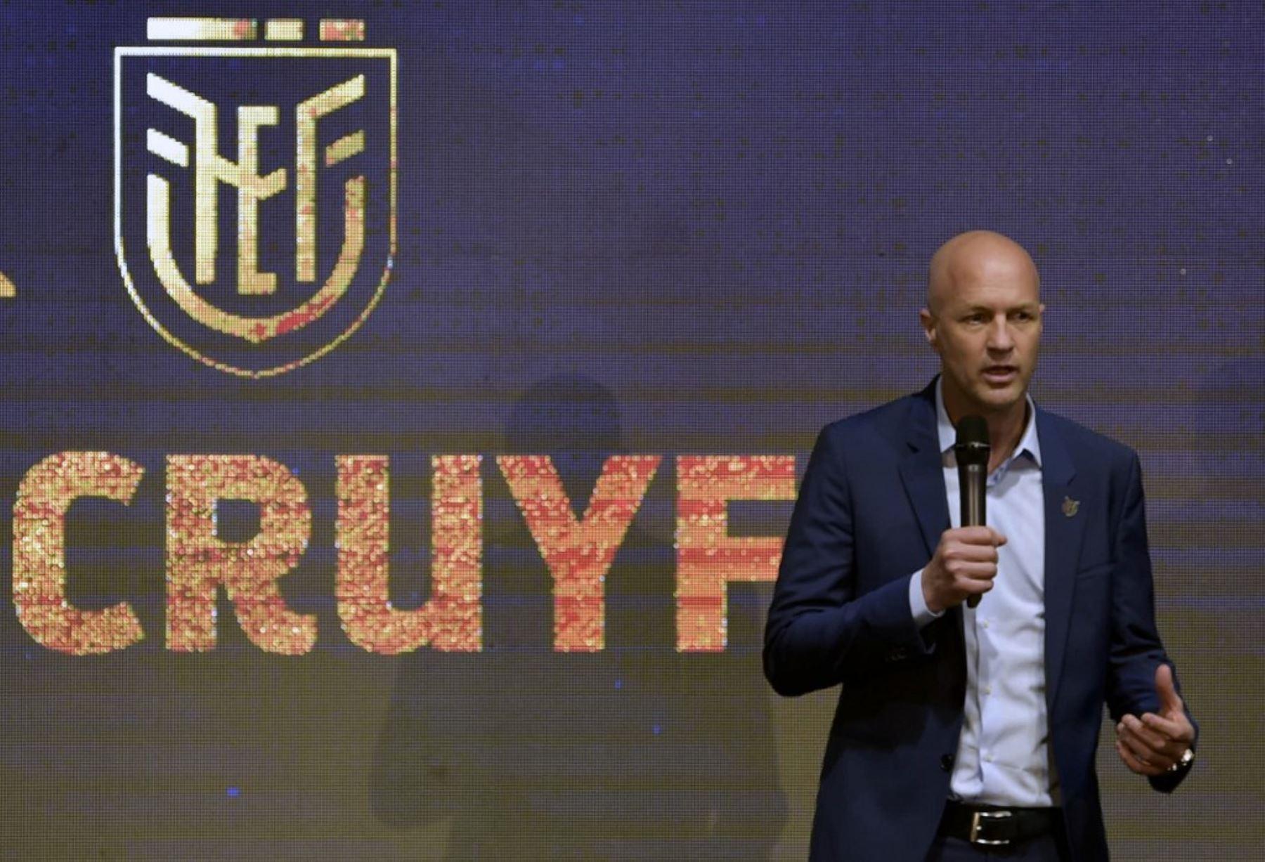 El holandés Jordi Cruyff, hijo del legendario Johan, fue presentado el lunes en Quito como nuevo entrenador de la selección de Ecuador