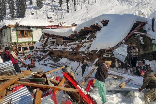 Más de 110 muertos a causa del crudo clima invernal en Pakistán y Afganistán