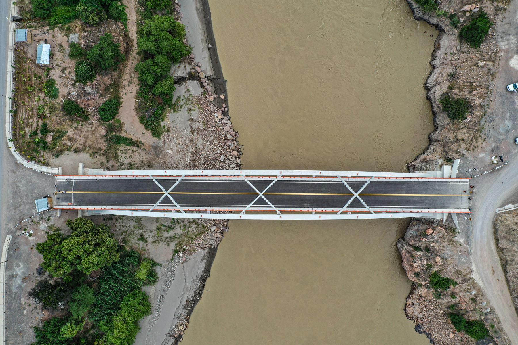 El presidente Martín Vizcarra, inaugura el puente Chacanto, que une las regiones Cajamarca y Amazonas. Foto: ANDINA/Prensa Presidencia