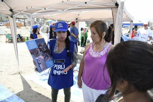 ANDINA/DifusiónEl Ministerio del Ambiente puso en marcha una estrategia que busca generar un cambio en los peruanos para reducir el uso del plástico. ANDINA/Difusión