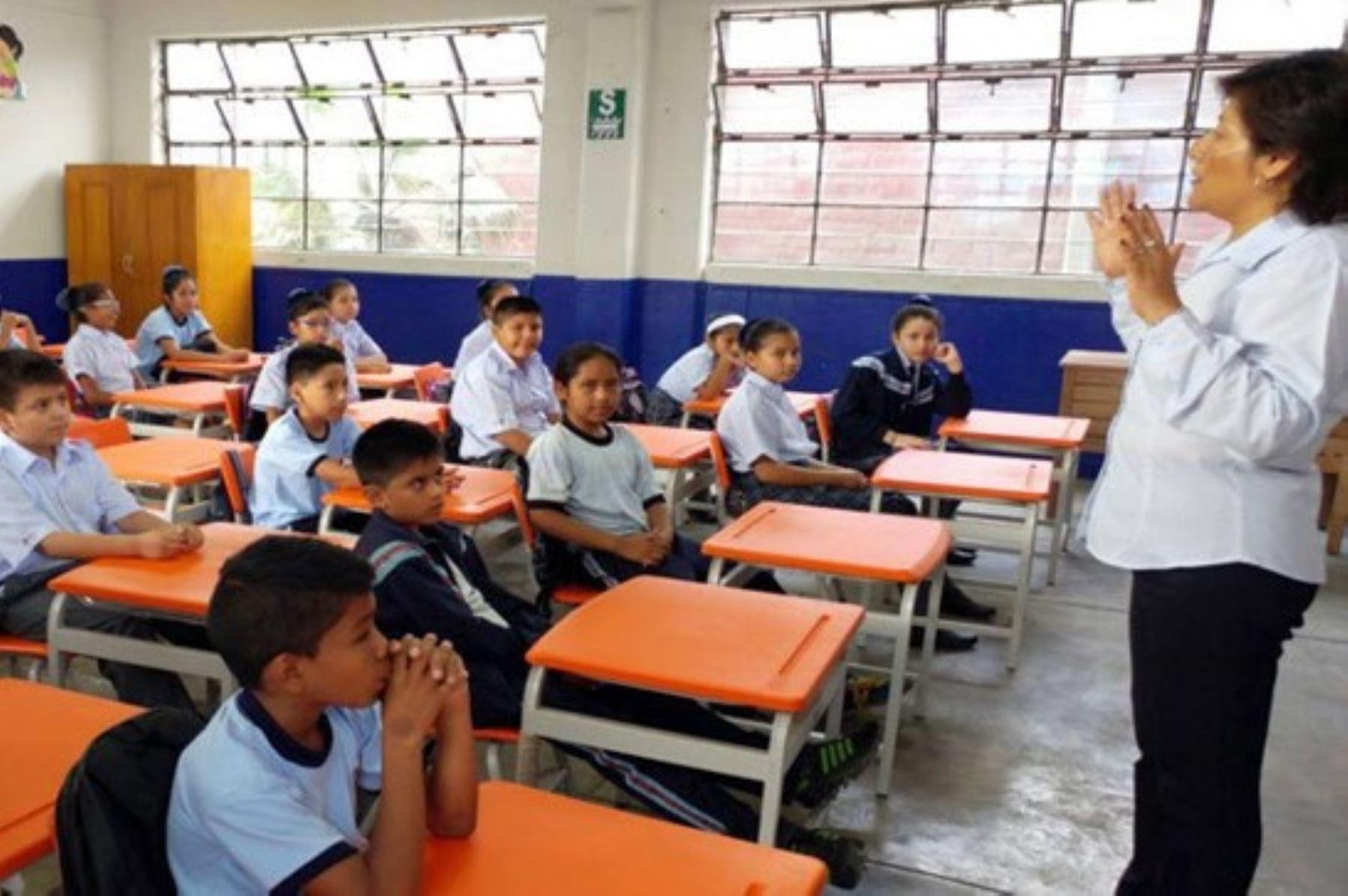 Multarán a colegios privados que no devuelvan la cuota de ingreso. Foto: ANDINA/Difusión.
