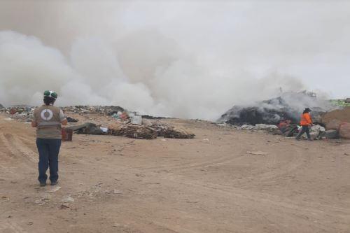 OEFA supervisa y evalúa impacto ambiental por incendio en el botadero en Tacna. ANDINA/Difusión